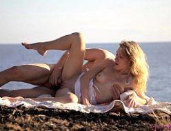 Jovem safada do legalporno em transa na praia