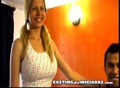 Video porno amador comendo uma loira vadia