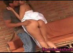 Porn brasil com loira pulando forte na rola