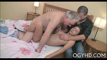 Stoya novinha dando pro seu avó safado